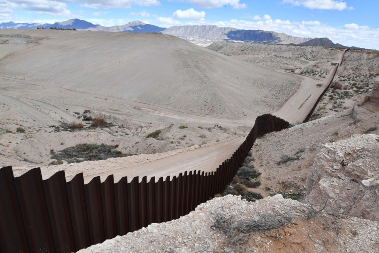 Image: The metal fence between Mexico and the United States