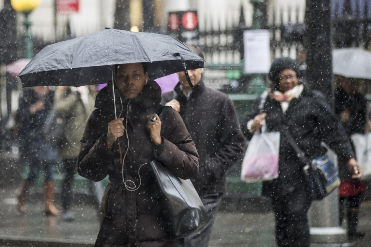 Image: Return Of Winter Temperatures And Snow Hampers Morning Commute In New York City