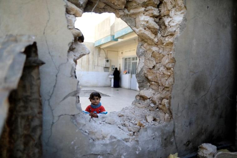 Image: A girl in Mosul, Iraq