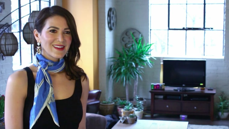 How to tie a silk scarf