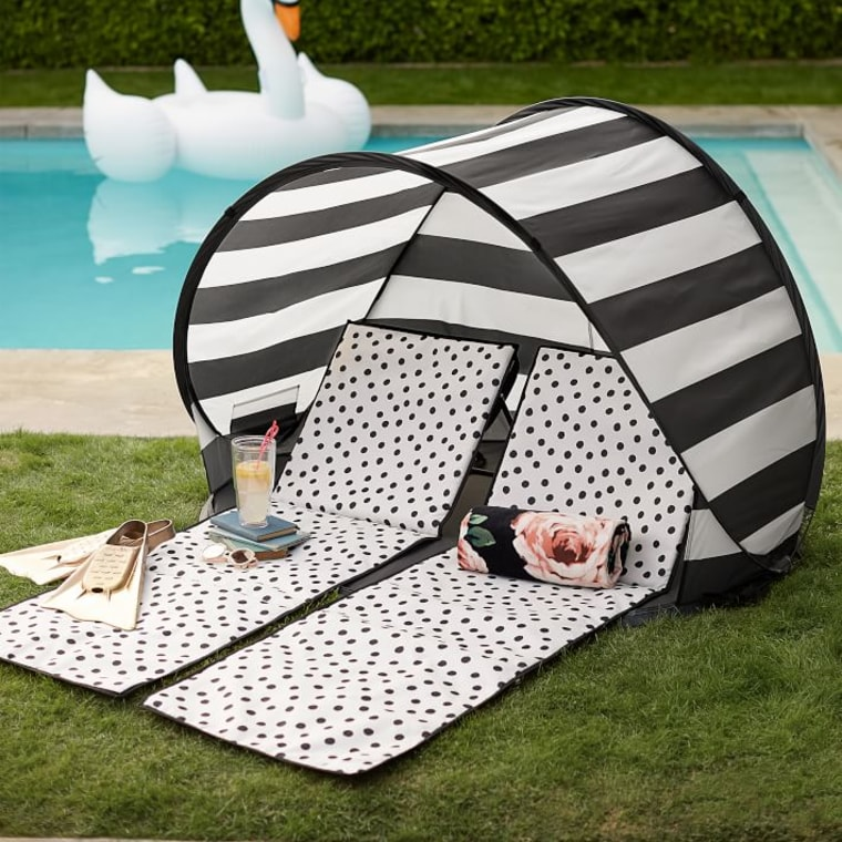 Beach tent and lounger