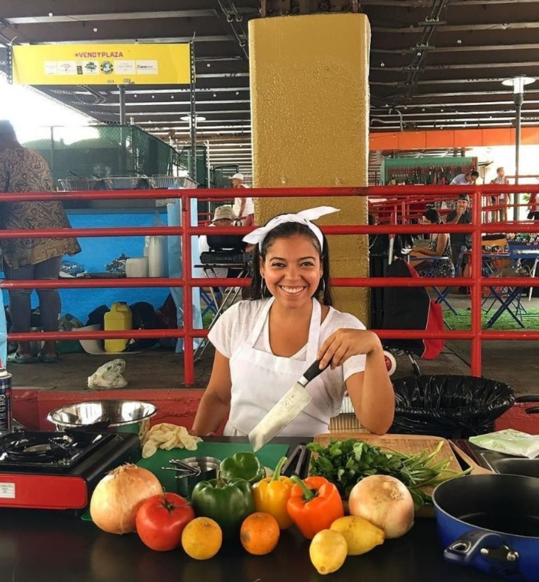 Yadira Garcia of Happy Healthy Latina leads a cooking demo in East Harlem's La Marqueta.