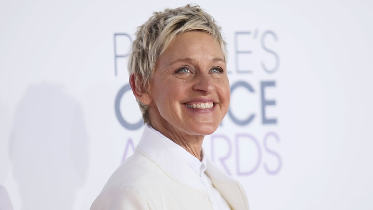 Image: TV personality Ellen DeGeneres arrives at the 2015 People's Choice Awards in Los Angeles
