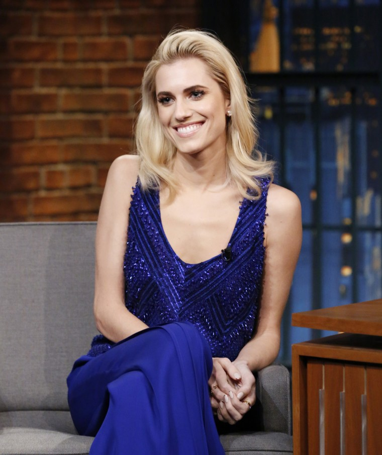 Former brunette Allison Williams shows off her new blond hair.