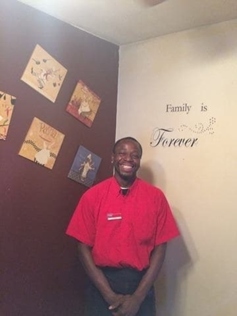 IHOP waiter Joe Thomas