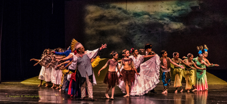 """A scene from EnActe Arts recent production of """"The Conference of The Birds."""""""