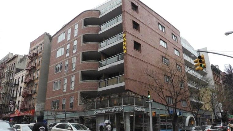 Image: 123 Baxter St in Manhattan