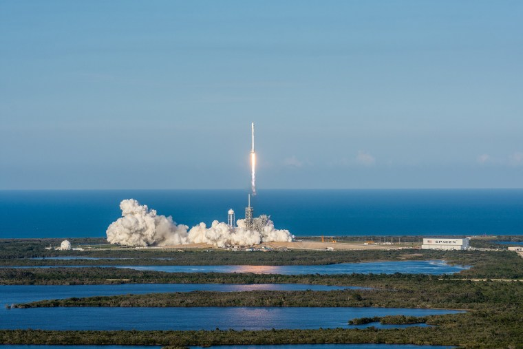 Image: SpaceX Attempts 'Reflight' Launch of Falcon 9 Rocket