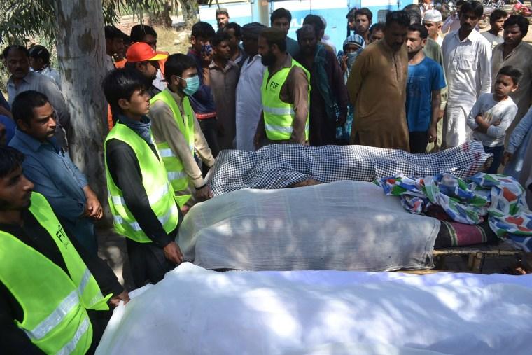 Image: PAKISTAN-CRIME-MURDER-SHRINE
