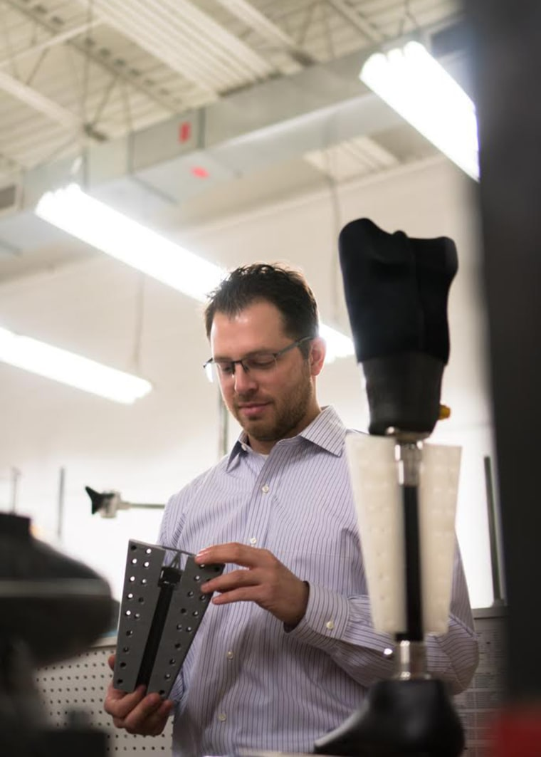 A simple 3D printed attachment that can be slipped onto a prosthetic leg helps amputees swim.