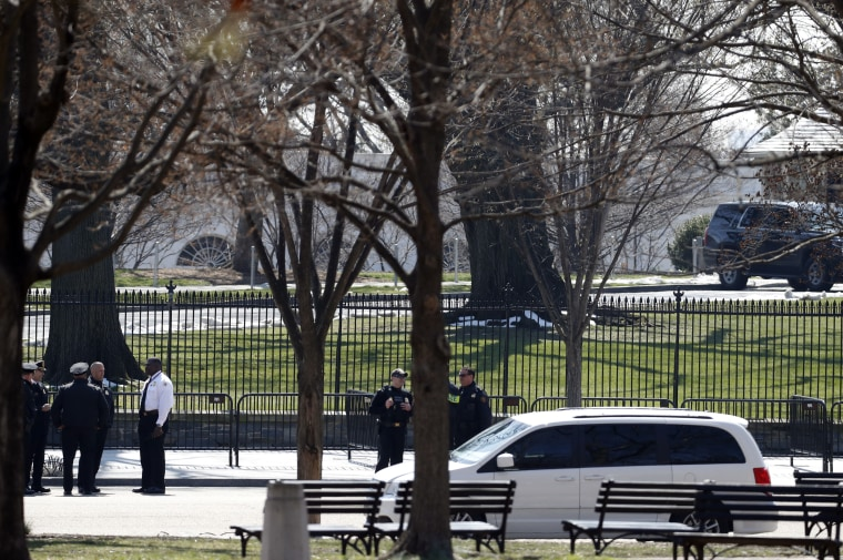 IMAGE: Secret Service at White House