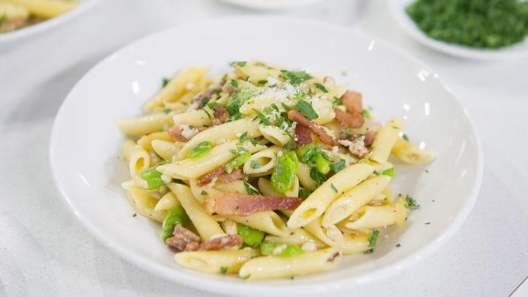 Pasta with Ham and Fava Beans (Pasta alla Gricia)