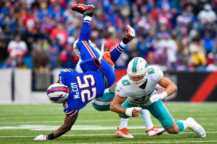 Image: Kiko Alonso tackles LeSean McCoy