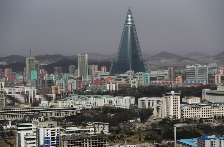 Image: North Koreas prepare to celebrate Day of the Sun Festival in Pyongyang