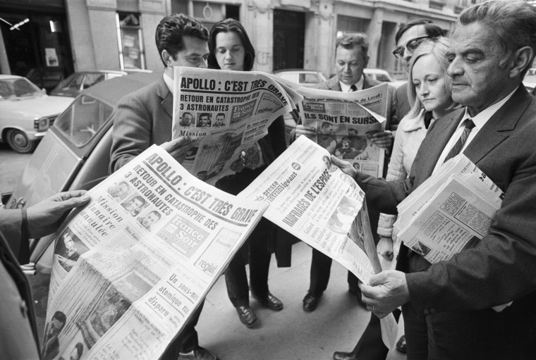 French Newspapers Report Apollo 13