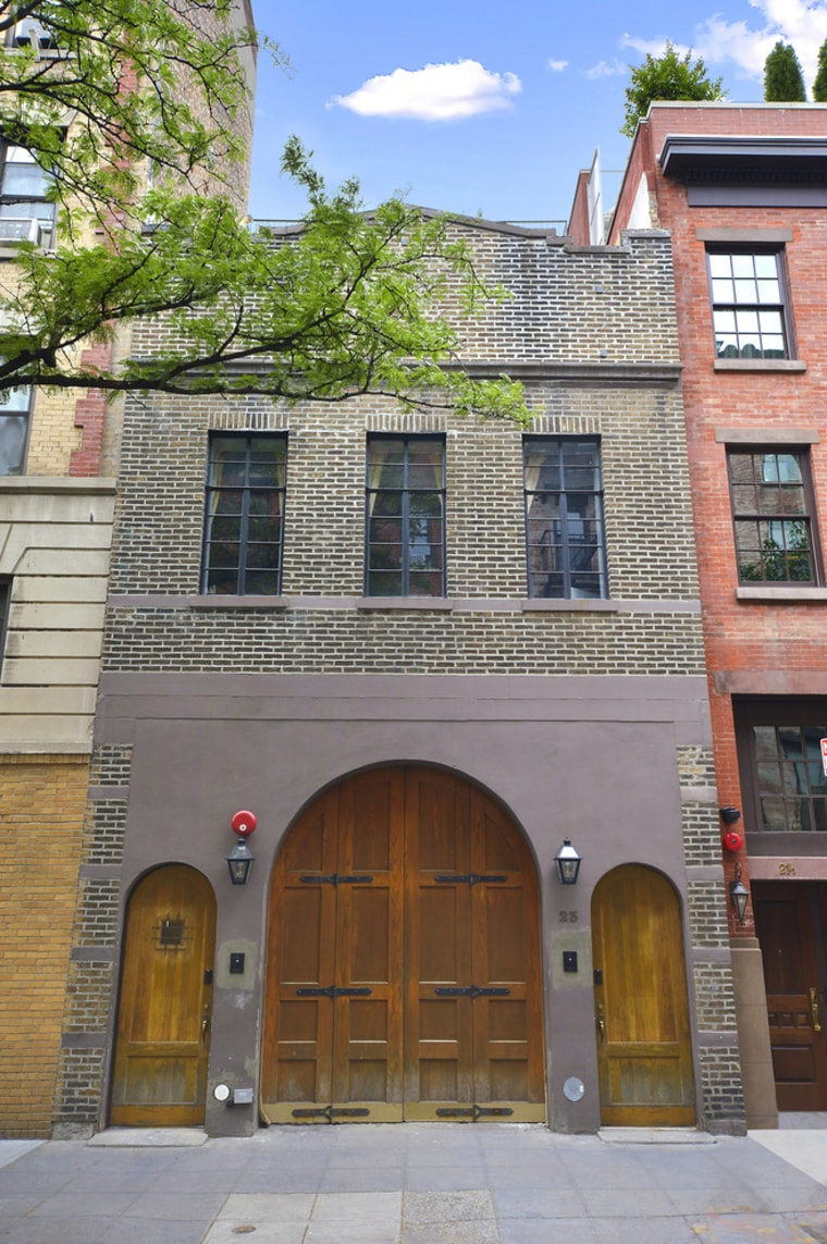 Taylor swift 39 s new york city greenwich village townhouse for Townhouse for rent nyc