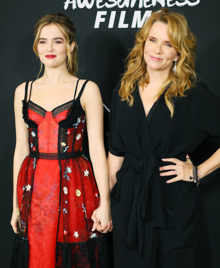 Lea Thompson and Zoey Deutch