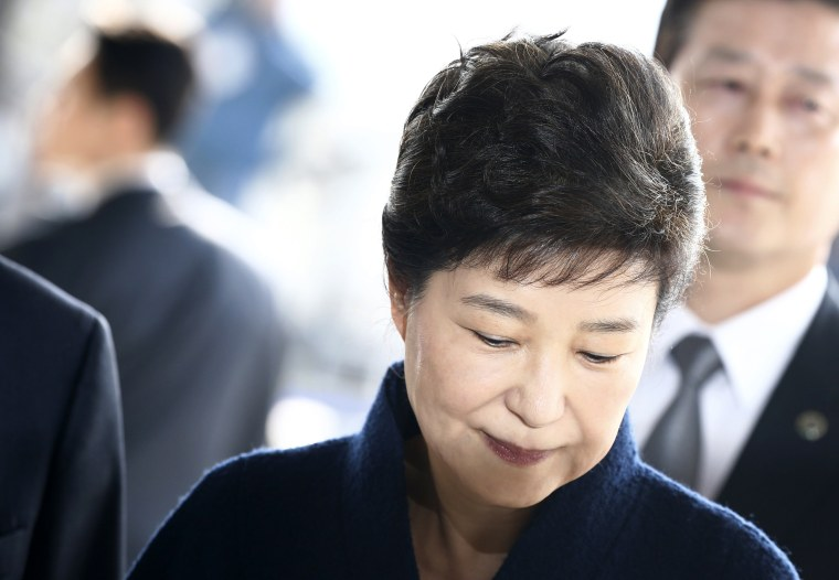 Image: Impeached South Korean former President Park Geun-hye arrives to the Seoul Central District Prosecution Office for questioning in Seoul, South Korea, March 21, 2017.
