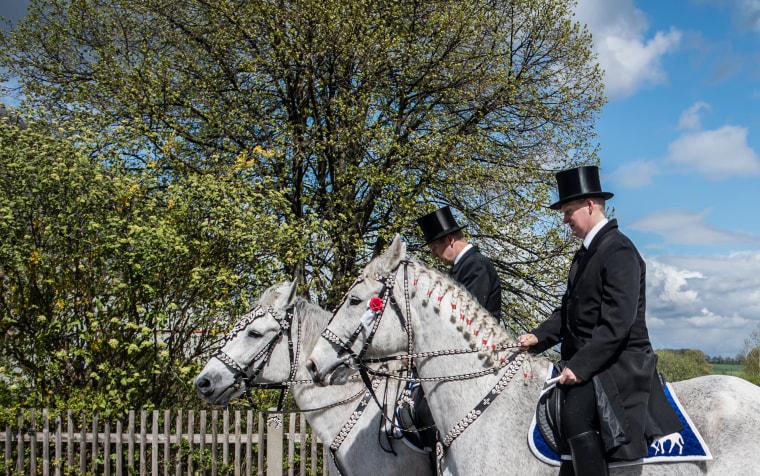 Image: Sorbian Easter horsemen Easter procession