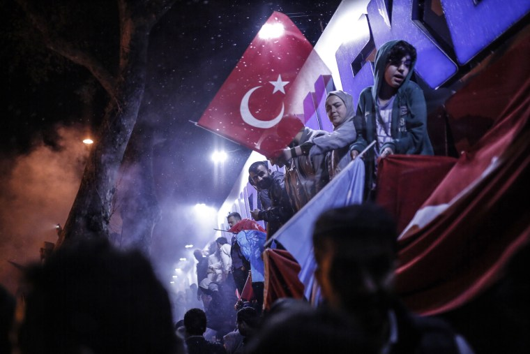 Image: Erdogan's supporters celebrate in Istanbul.