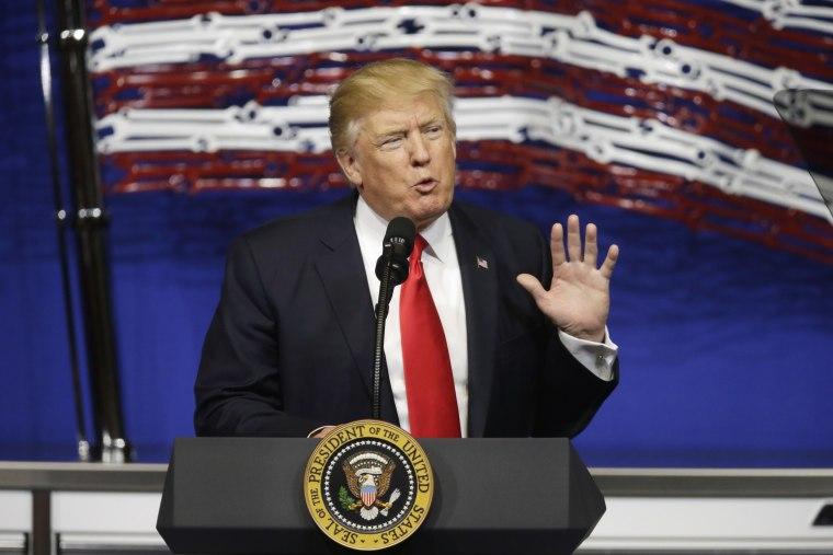 Image: Trump speaks at Snap-On Tools