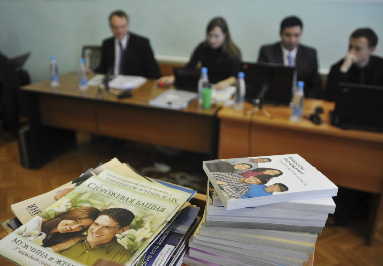 Image: Stacks of Jehovah's Witnesses booklets in a courtroom in Gorno-Altaysk, Russia