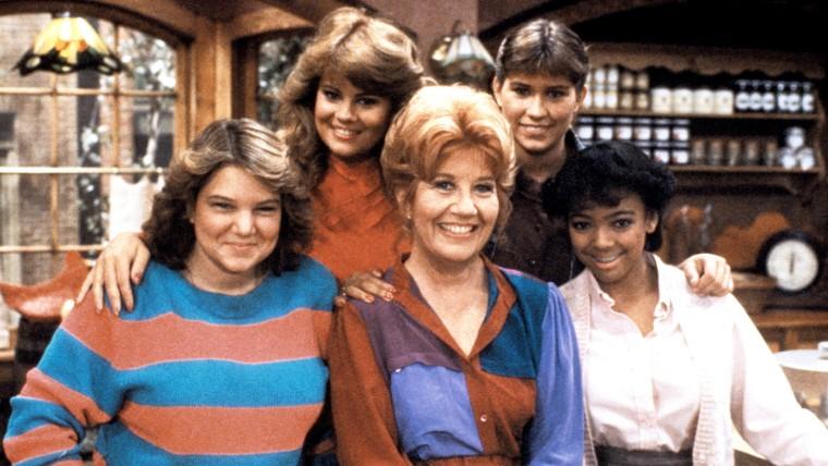 THE FACTS OF LIFE, Mindy Cohn, Lisa Whelchel, Charlotte Rae, Nancy McKeon, Kim Fields, 1979-88.
