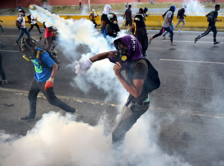 Image: Protesters in Caracas