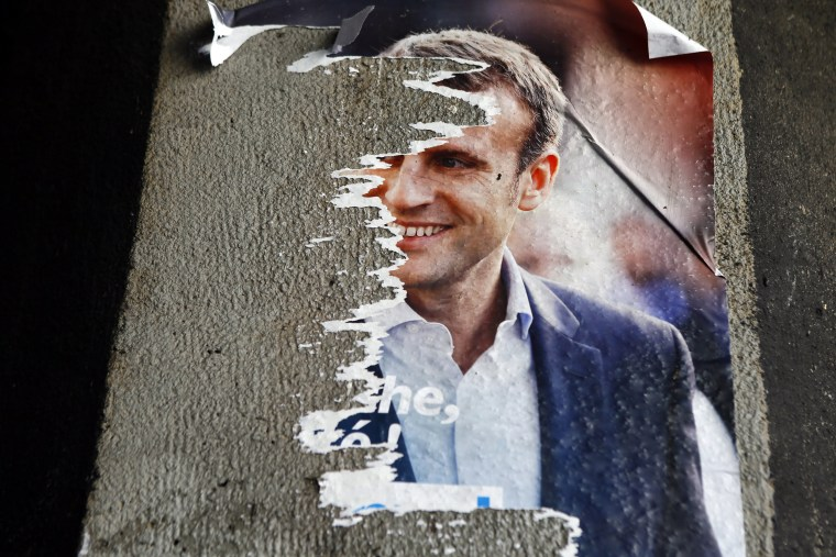 Image: Macron campaign poster