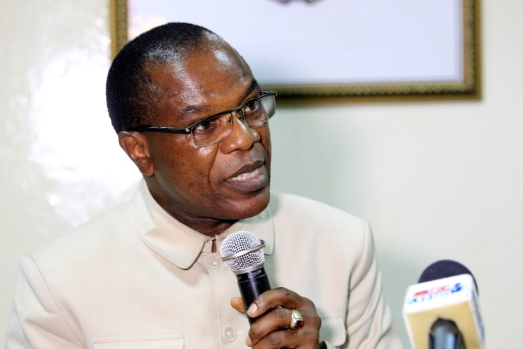 Image: Francis Kateh, Liberia Chief Medical Officer addresses journalists during a press conference
