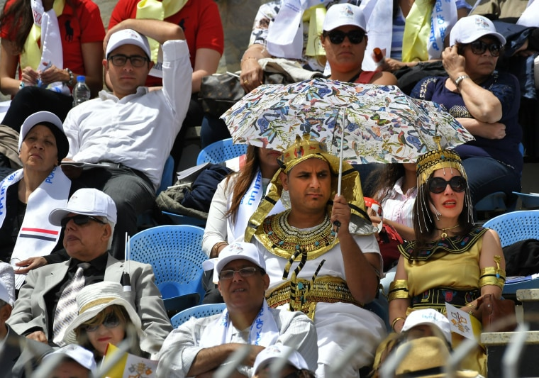 Image: Worshippers wearing ancient Egyptian costumes