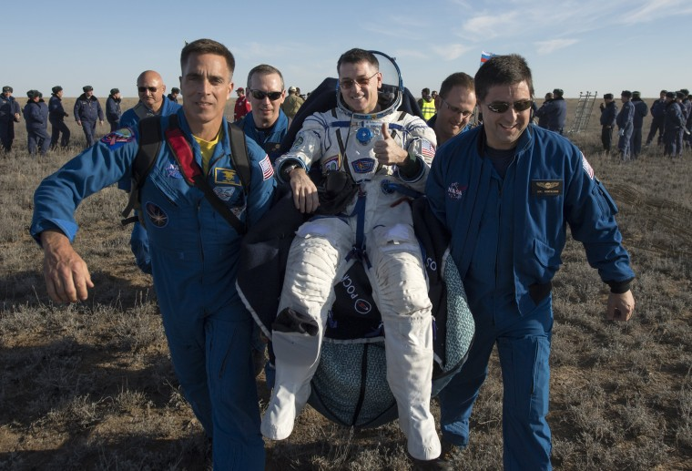 Image: Landing of Soyuz MS-02 spacecraft with ISS Expedition 50