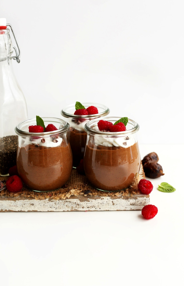 Image: EASY 6 ingredient Chocolate Chia Seed Pudding vegan glutenfree chiapudding