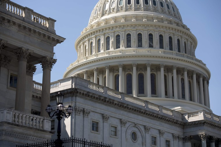 Image: Exterior of US Capitol