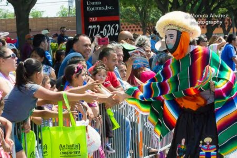 Dallas Cinco de Mayo parade