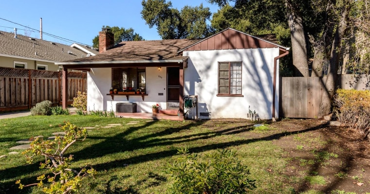 This 'teardown' on Stanford Avenue in Palo Alto, California, just sold for $2,550,000.