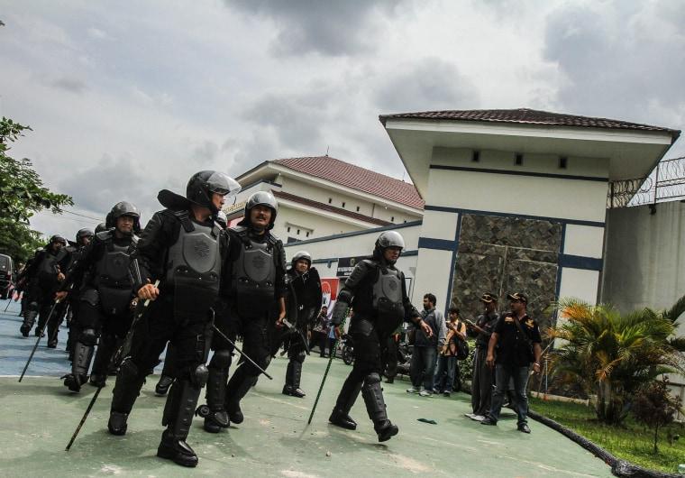 Image: Prison Break in Pekanbaru