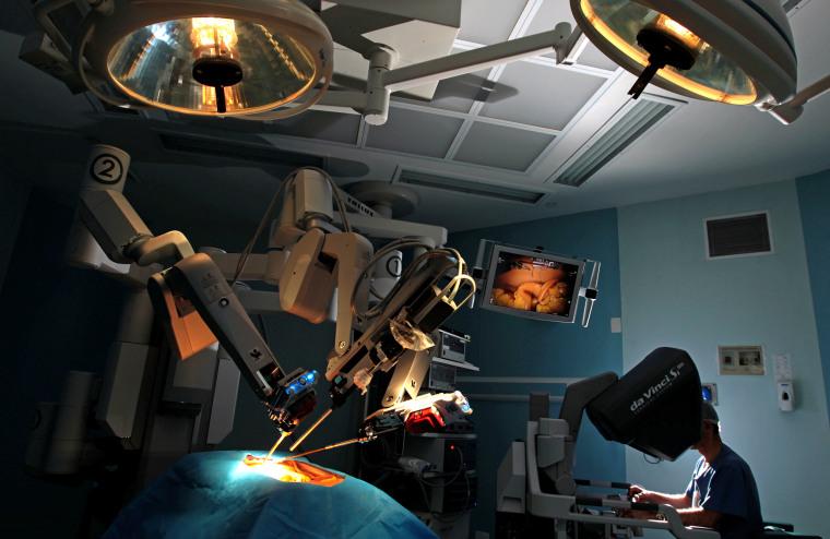 Dr. Ricardo Adbala trains with the Da Vinci Surgical Robot SiHD in Sao Paulo, Brazil, in 2014.