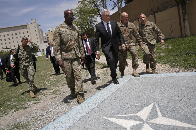 Image: Mattis arrives to the Resolute Support headquarters in Kabul