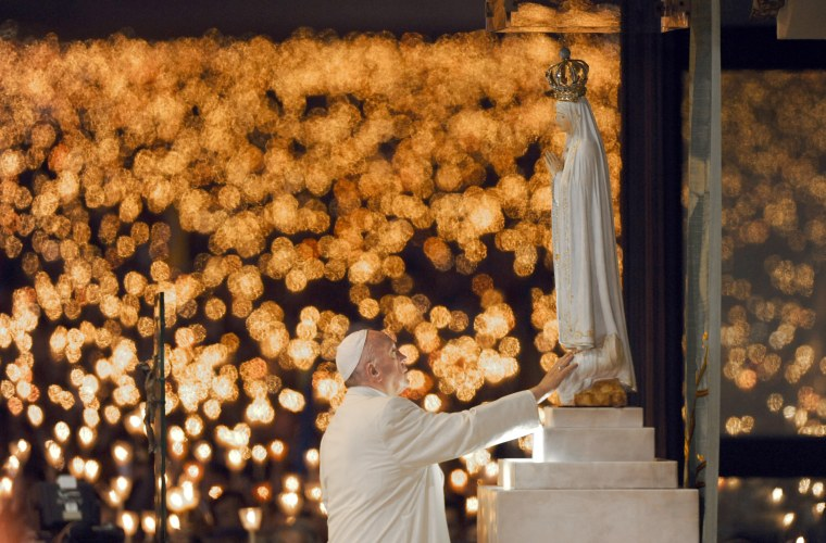 Image: Pope Francis Canonizes Two Fatima Siblings