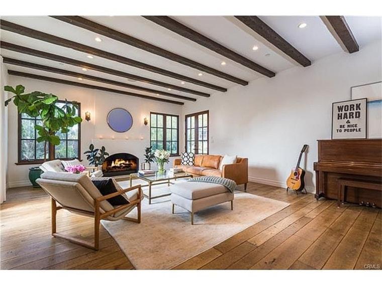 Lauren Conrad\'s LA home is dreamy! Take a tour inside