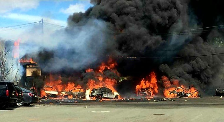 Image: The crash site of a small plane near New Jersey's Teterboro Airport
