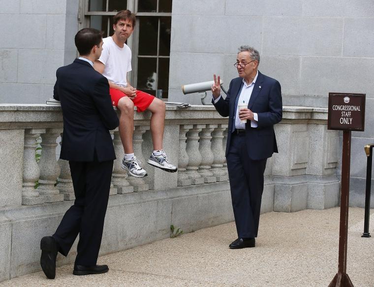 Image: *** BESTPIX *** *** BESTPIX *** Senators Arrive To Capitol Hill *** BESTPIX ***