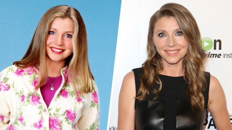 "Sarah Chalke played Becky Conner (1993-97), the oldest boy-crazy daughter of a middle-class working couple. The actress alternated with Lecy Goranson (the original Becky) in the role during the 1995-96 season. Sarah Chalke seen at the LA Premiere of ""Transparent"" at The Ace Hotel on Monday, September 15, 2014 in Los Angeles, California."