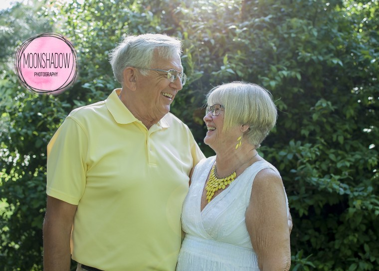 Couple re-creates wedding day pose for 50th wedding anniversary