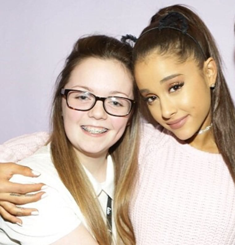 Georgina Callander poses with Ariana Grande in a photo posted to her Instagram account in 2015.