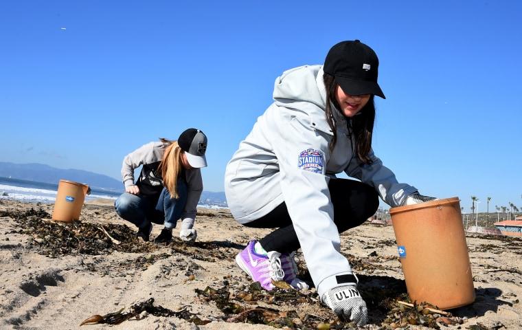 2017 NHL All-Star - Heal The Bay Beach Cleanup