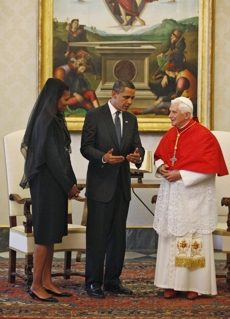Image: Barack and Michelle Obama meet Pope Benedict XVI