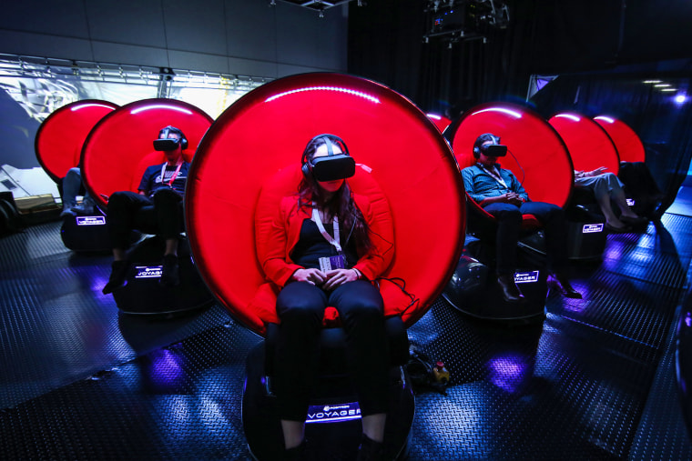 New VR Technology Lets You Experience Plane Crash With Tom