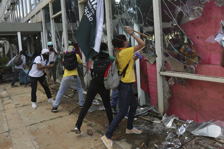 Image: Demonstrators ransack the Ministry of Science and Technology during an anti-government protest in Brasilia